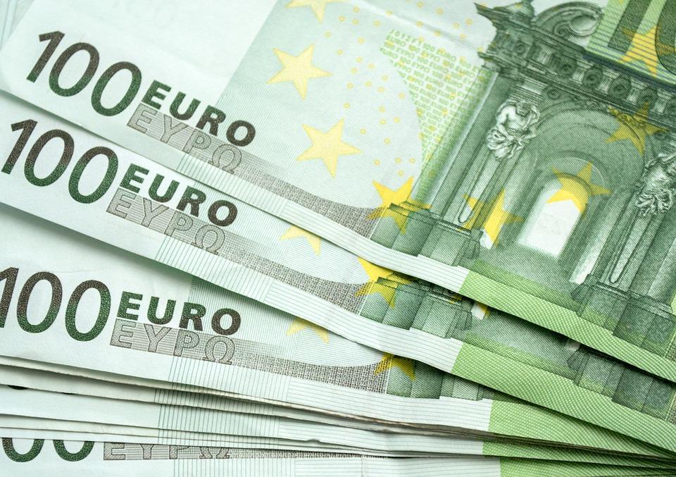 Geld honderd Euro's