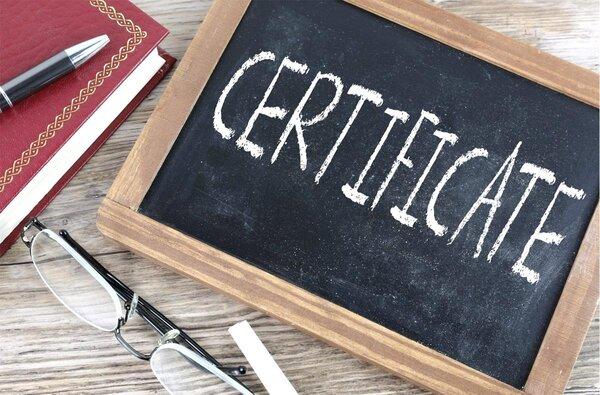 Certificate op bordje